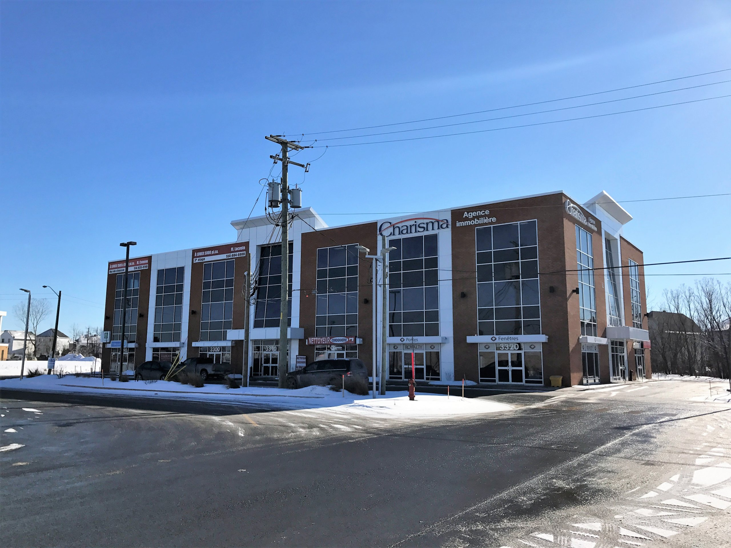 Complexe commercial 3310 Laval